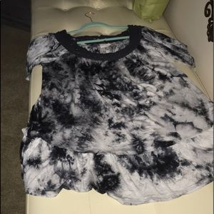 Plus size 3x black and white short sleeve tie dye.